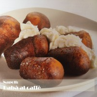 Napoli: Babà at coffee